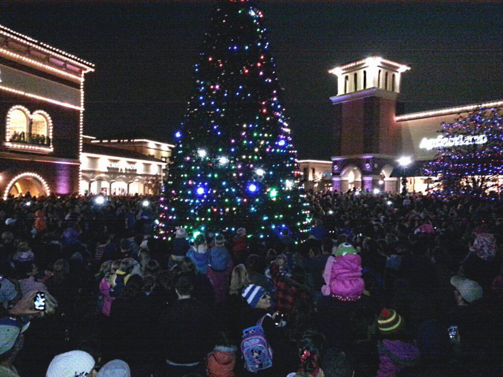 Jefferson Pointe Christmas Tree Lighting